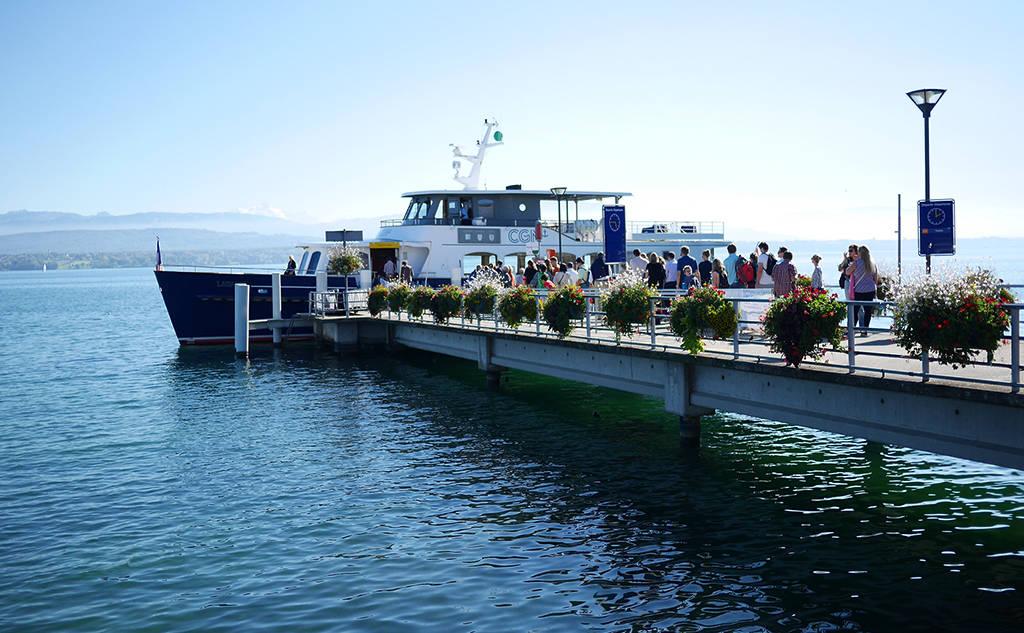 arrivee-bateau-restaurant-leman-nyon
