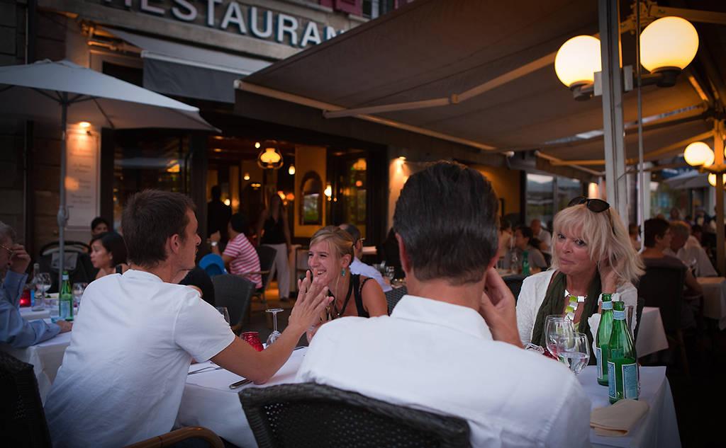 couples-restaurant-leman-nyon