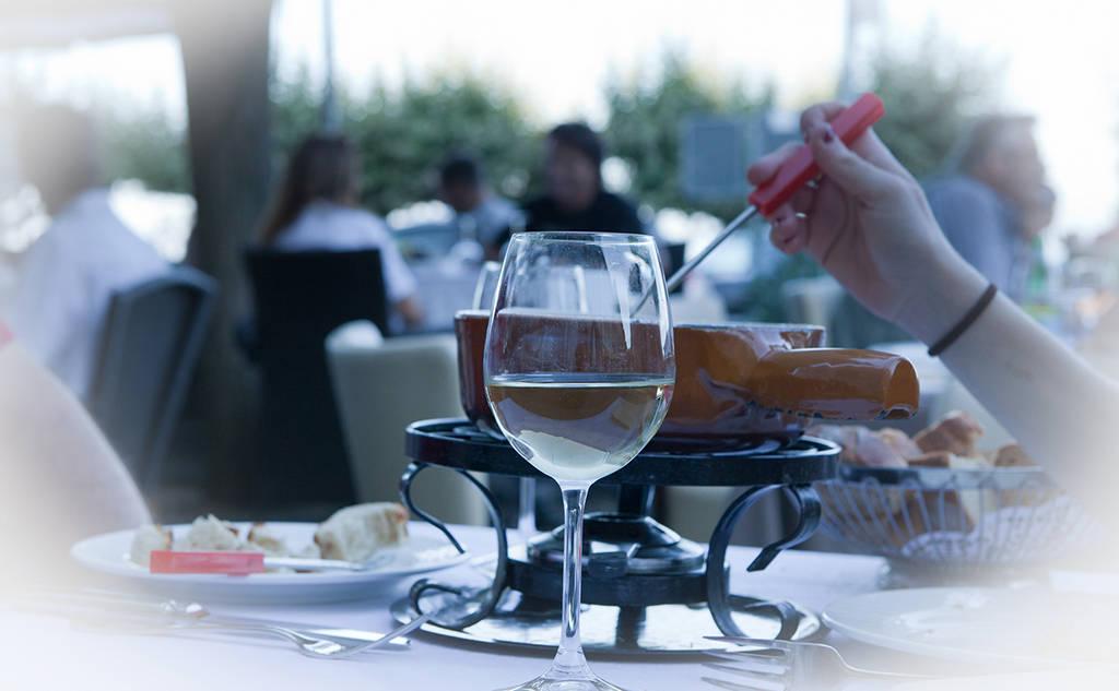 fondue-restaurant-leman-nyon
